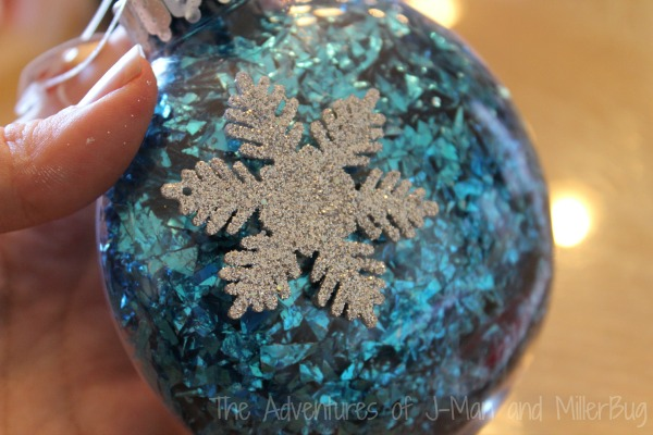 Frozen Ornament3