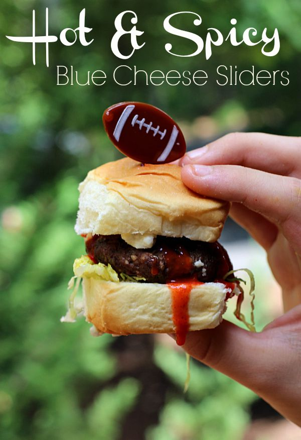 #KingofFlavor #ad Hot & Spicy Blue Cheese Sliders