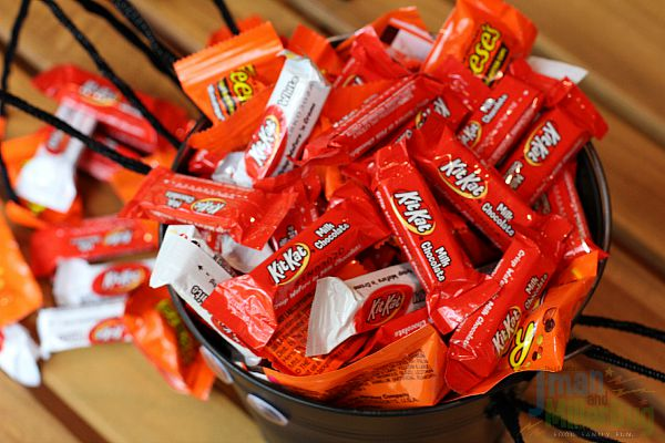 #TrickorSweet #ad Candy in Pail