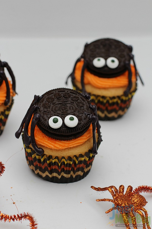 #SpookySnacks #ad Finished Spider Cupcakes