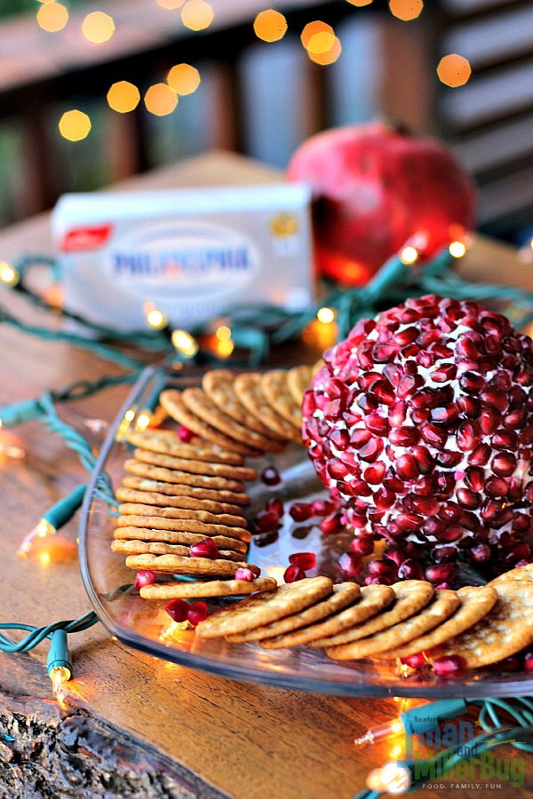 #NaturallyCheesy #ad Finished Cheese Ball 2