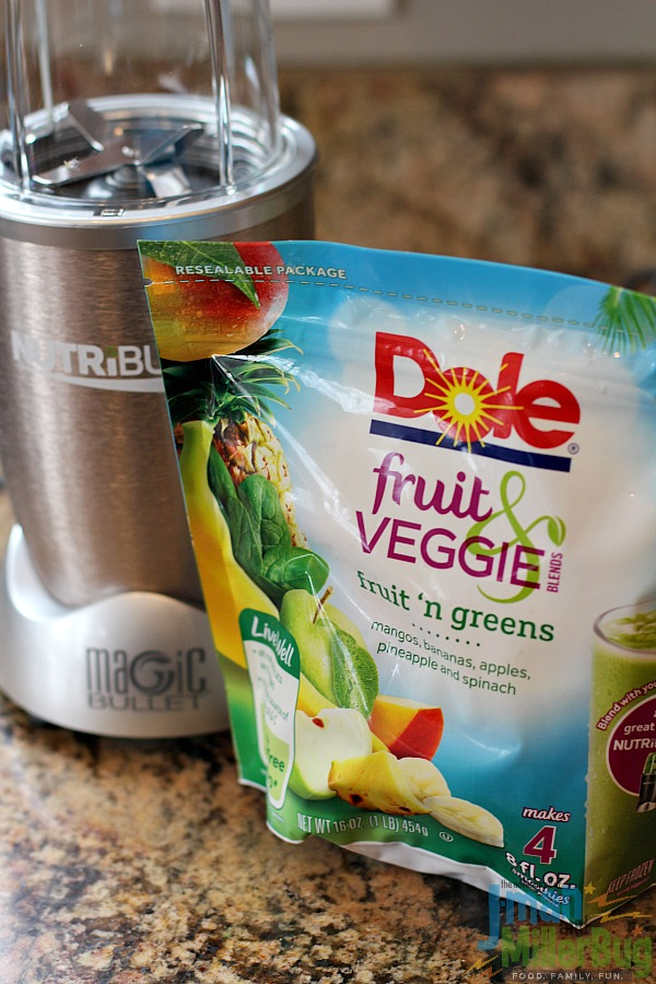 #BestBlendsForever #ad Strawberry and Kale Smoothie Process 1