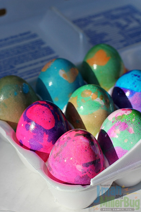 #SpoonfulofFun #ad Marbleized Easter Eggs Process 10