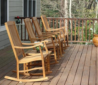 How to Prepare Your Porch for Spring Entertaining